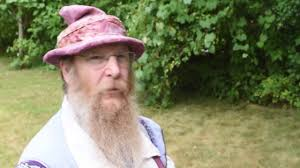 image of man in wizard hat, Ed The Wizard, image links to https://www.edthewizard.com/